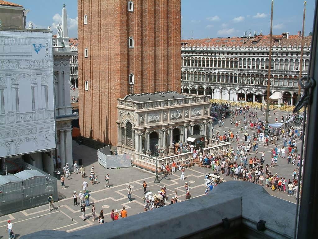 Loggetta of Campanile di San Marco (CC BY-SA 3.0) by Maria Schnitzmeier