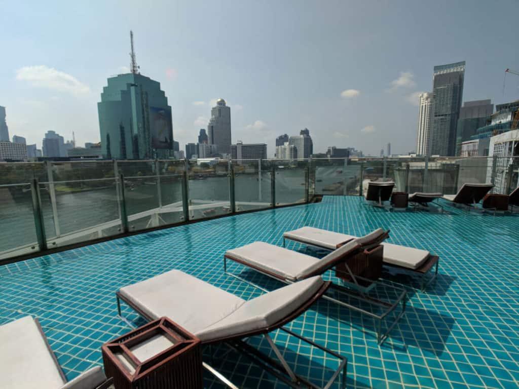 Millennium-Hilton-Bangkok-view-pool