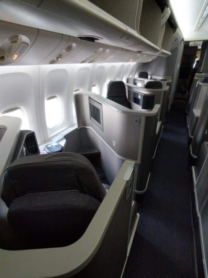 American Airlines 777-200 Business Class Cabin