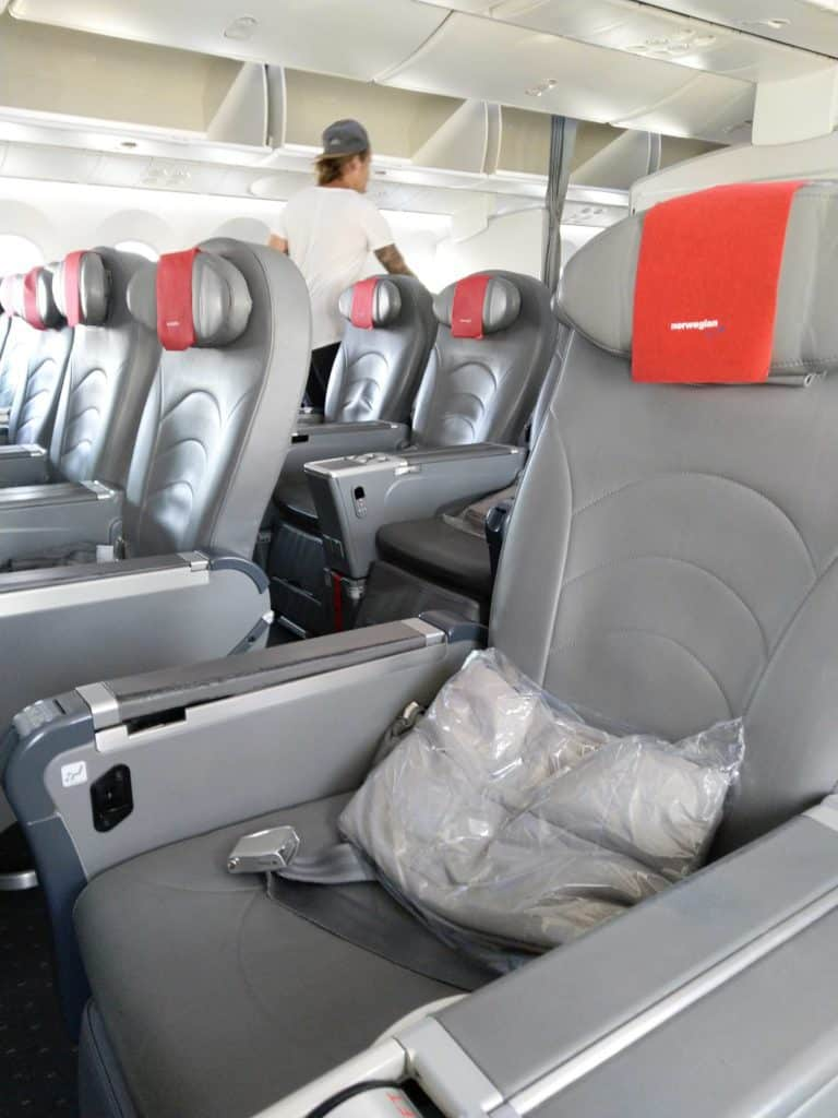Norwegian 787-8 Premium Cabin, decent sized seat