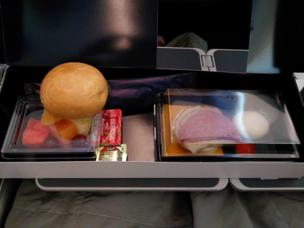 Norwegian 787-8 Premium Cabin breakfast