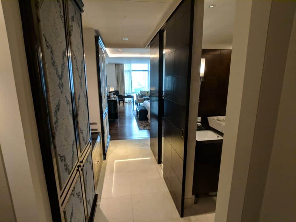 Hotel Review St Regis Bangkok 002
