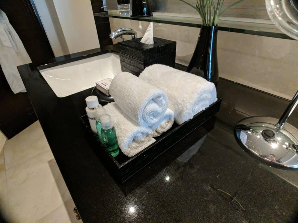 Hotel Review St Regis Bangkok 012