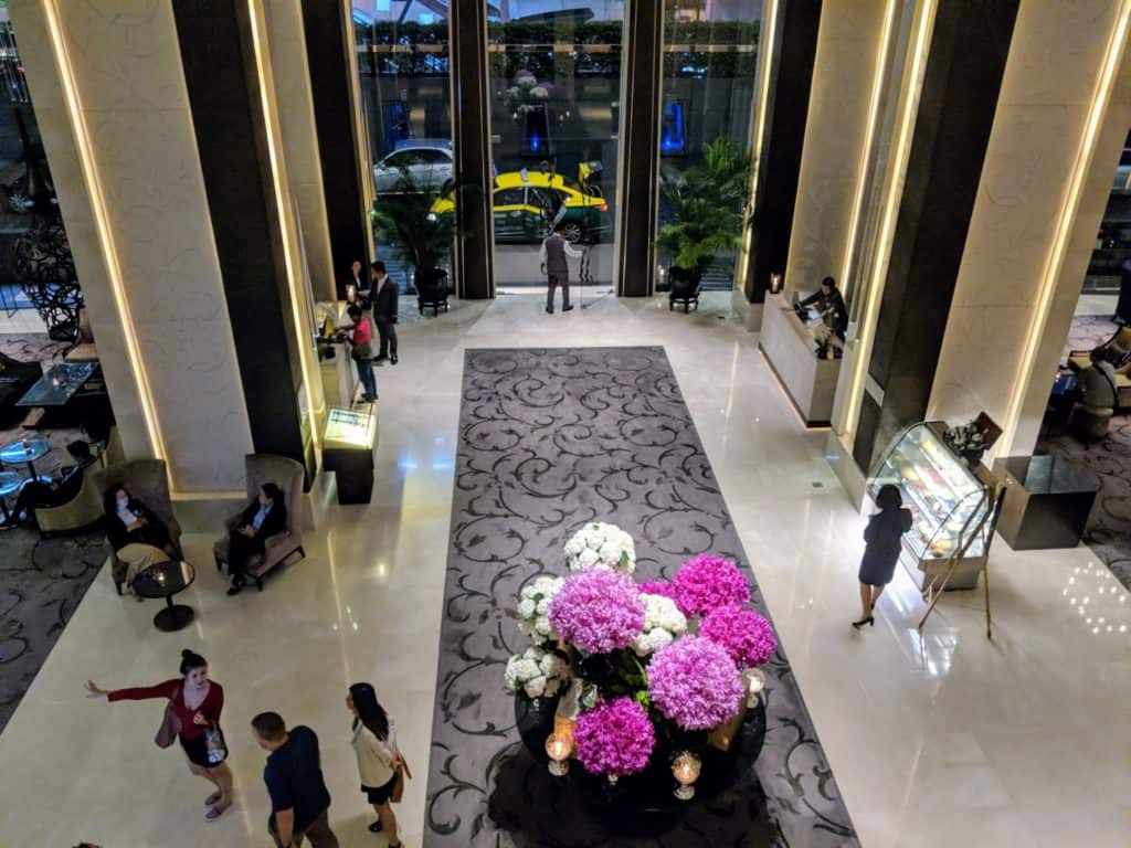 The lower lobby of St.Regis Bangkok