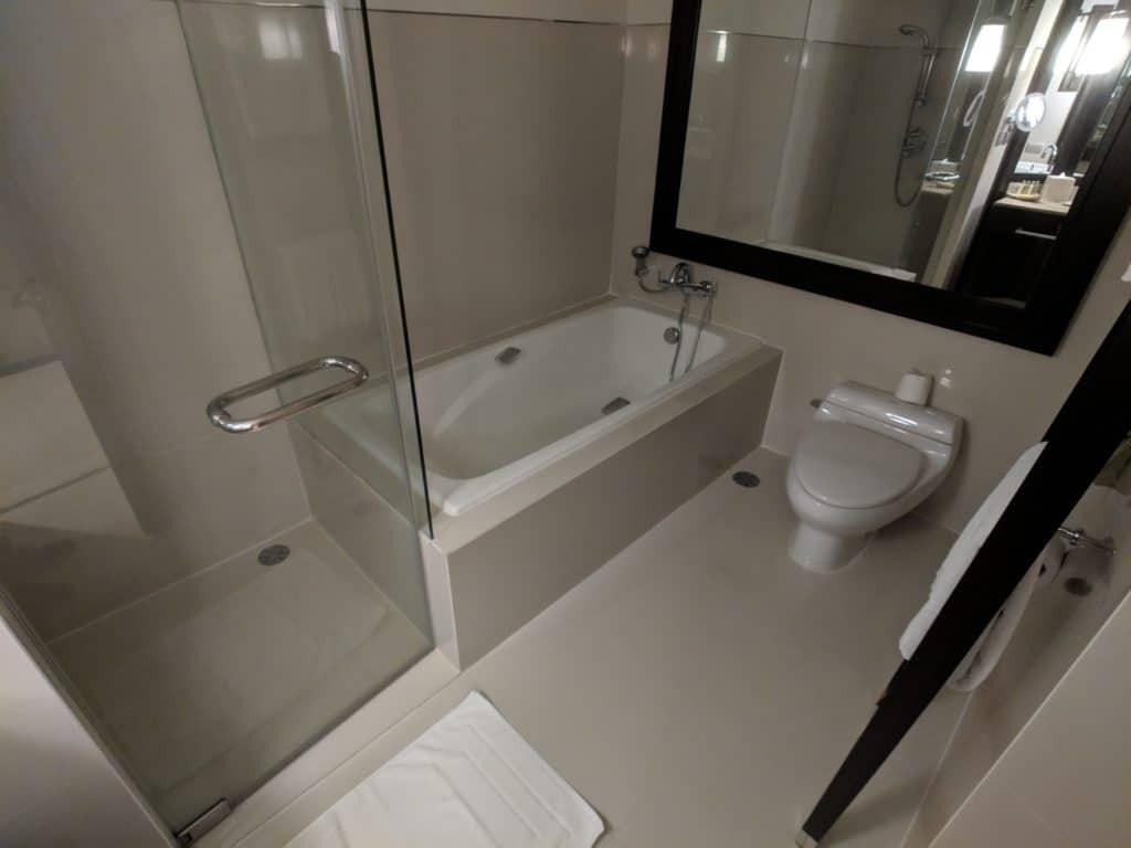 2019 Hotel Review Millennium Hilton Bangkok 004