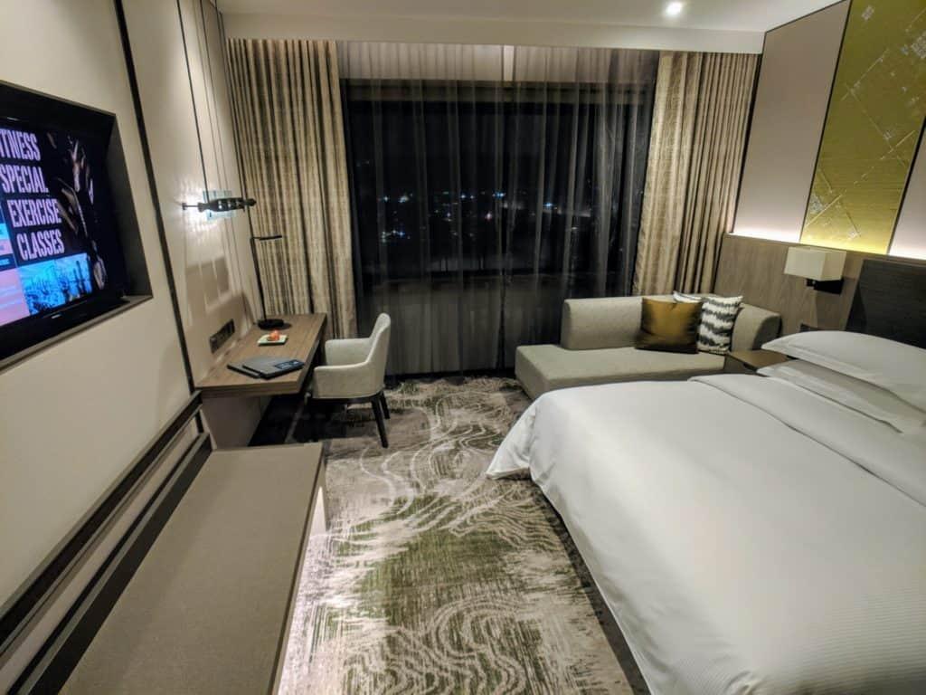 2019 Hotel Review Millennium Hilton Bangkok 005