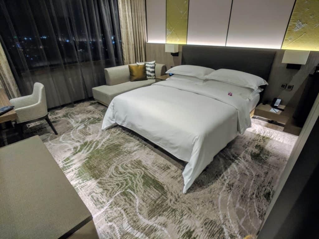 2019 Hotel Review Millennium Hilton Bangkok 010