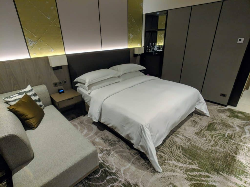 2019 Hotel Review Millennium Hilton Bangkok 011