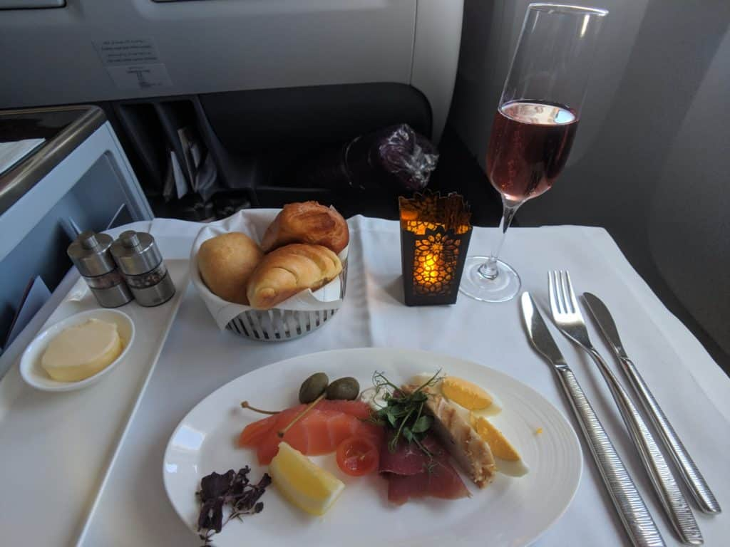 2019 Qatar Airways 777 Business Class Review 002