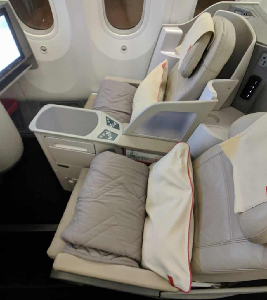 Royal Jordanian 787 Business Class Review 020