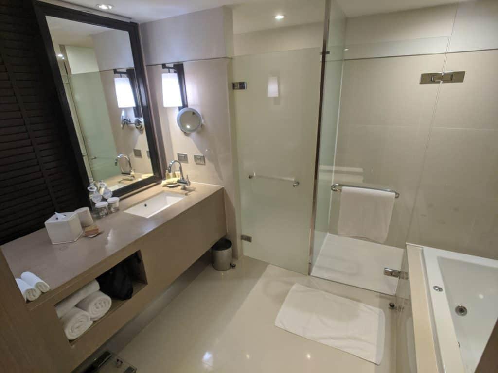 2020 Millennium Hilton Bangkok Panoramic Executive Suite 0001