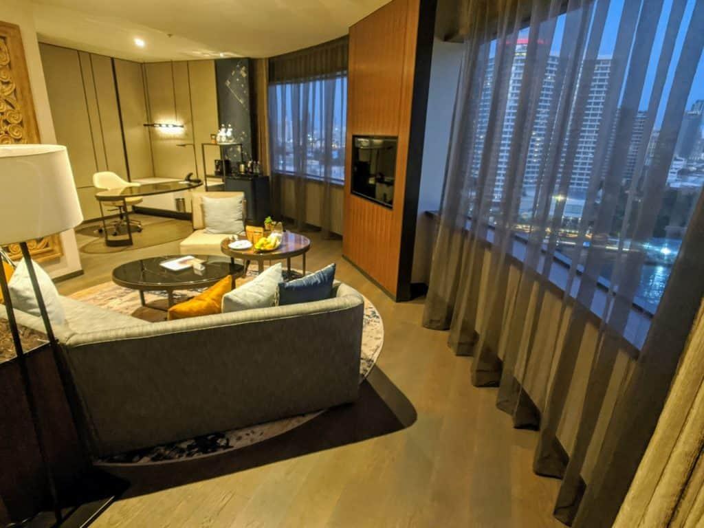2020 Millennium Hilton Bangkok Panoramic Executive Suite 0003