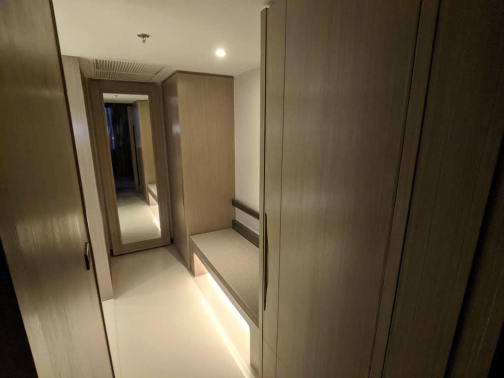 2020 Millennium Hilton Bangkok Panoramic Executive Suite 0008