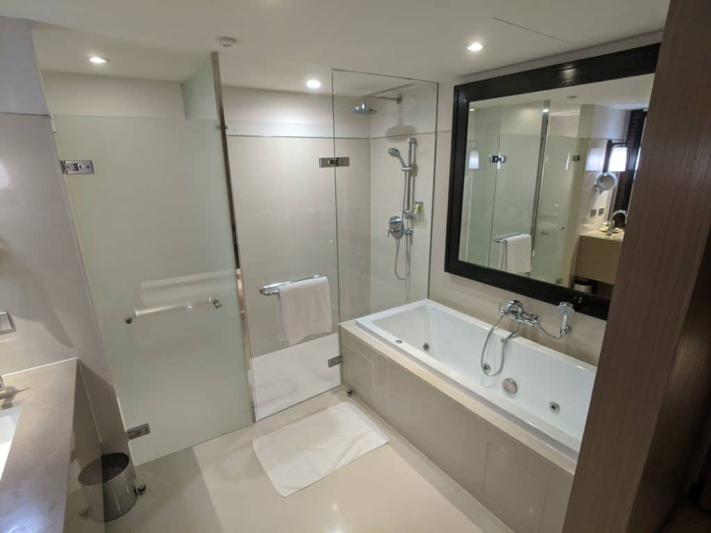 2020 Millennium Hilton Bangkok Panoramic Executive Suite 0009