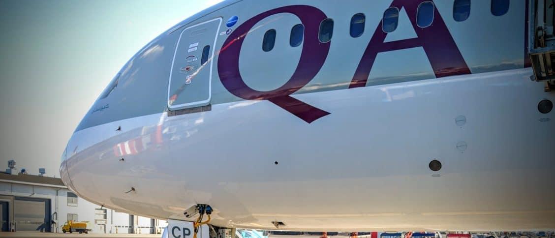 2018 Qatar Airways Business Class 787 Hel Doh 0001