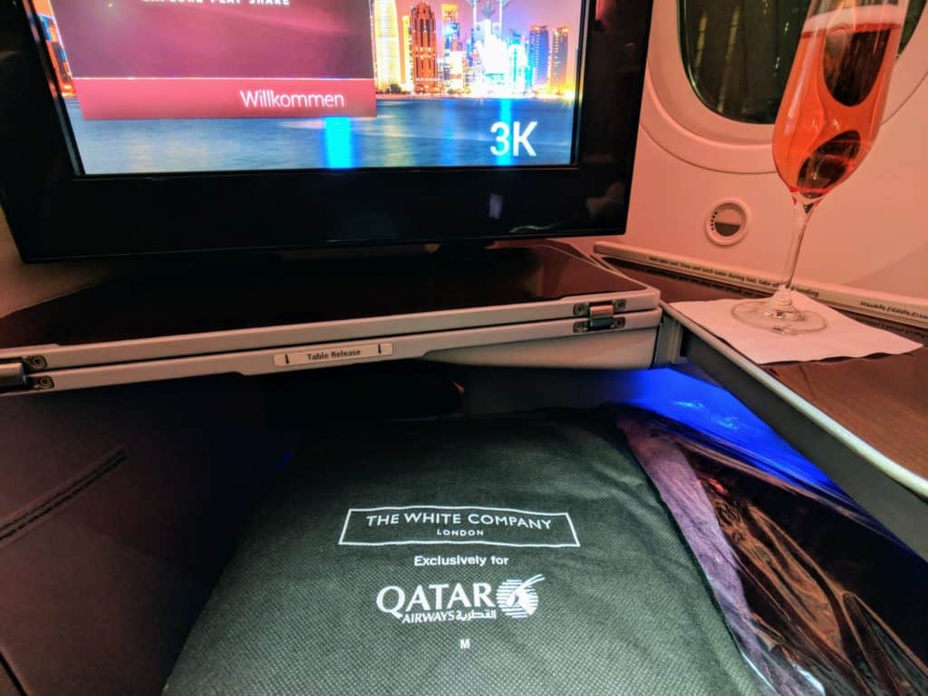 2018 Qatar Airways Business Class 787 Hel Doh 0028