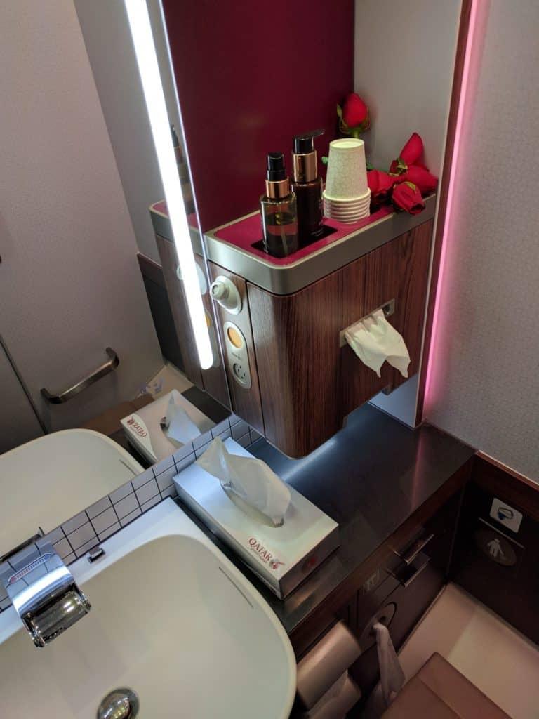 Qatar Airways Bathroom
